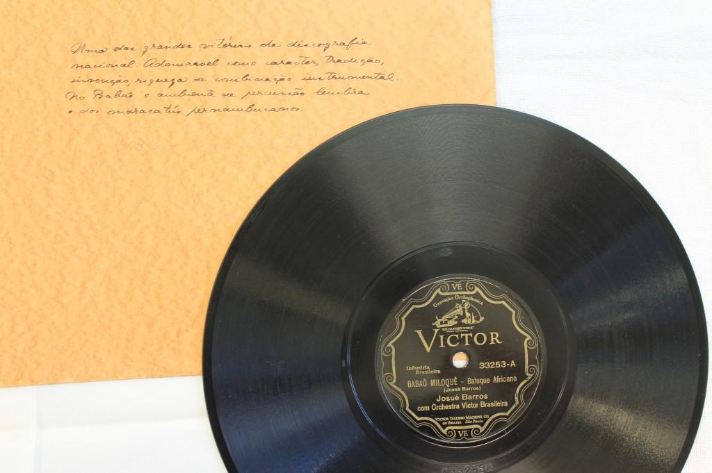 Manuscrito de Mário de Andrade no disco Babaô Miloquê. Acervo IEB/USP - Fundo Mário de Andrade
